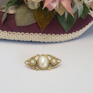Elegant Vintage Faux Pearl Brooch